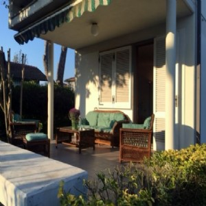 Lido di Camaiore, Villa Singola 1,5 km dal mare  : detached villa with garden to rent  Lido di Camaiore