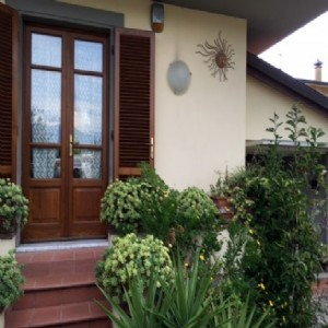 Lido di Camaiore bifamiliare  2 km  dal mare : two-family house  for sale  Lido di Camaiore