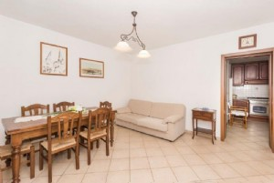 : rustic with garden for sale Montebello Camaiore
