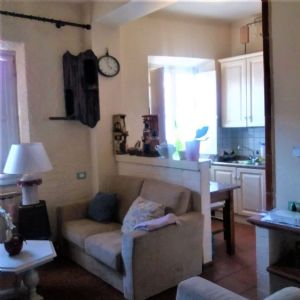 : two rooms  for sale Camaiore centro Camaiore