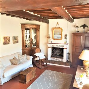 : country house with garden for sale  Massarosa