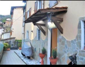 : country house  for sale Vallecchia Pietrasanta