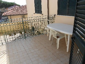 Lido di Camaiore, Apartment 200 meters to the sea (4 Pax) : apartment  to rent  Lido di Camaiore