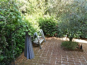 Marina di Pietrasanta, Villa Singola : detached villa with garden to rent  Marina di Pietrasanta