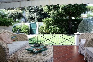 Focette, exclusive villa with garden : detached villa with garden to rent  Lido di Camaiore