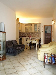 Lido di Camaiore, 200 mt, ground floor (5 people) : apartment  to rent  Lido di Camaiore