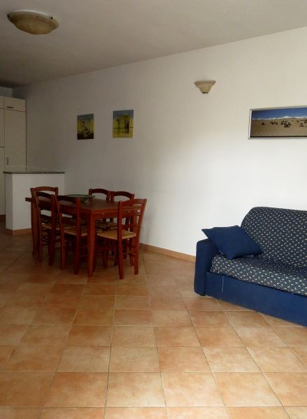 Lido di Camaiore, Apartment with garden (6 Pax)